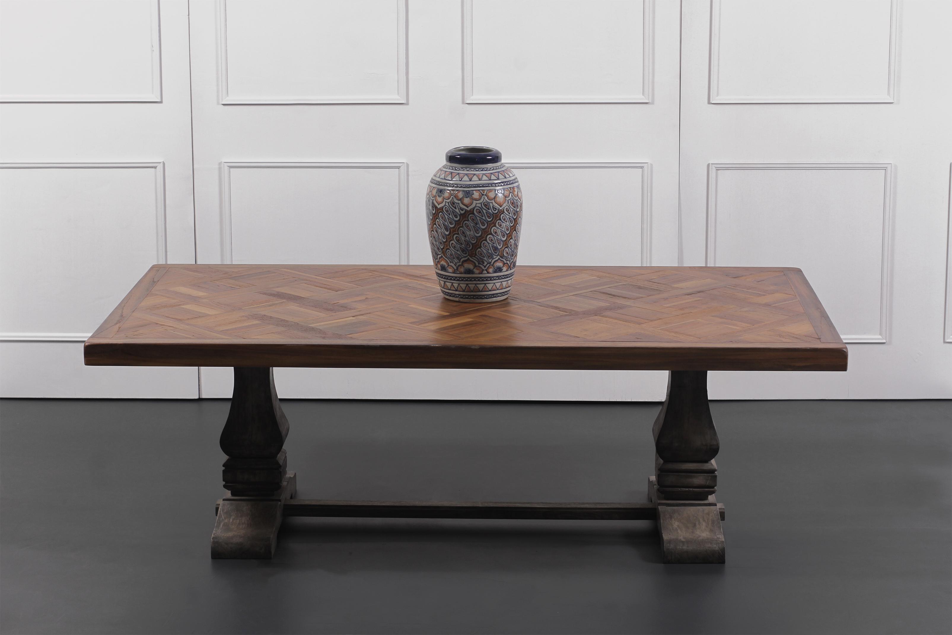 THRONE RECTA TABLE