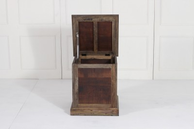 resize_THOMPSON TRUNK SQUARE TABLE FRONT VIEW (1).jpg Acacia Copyright